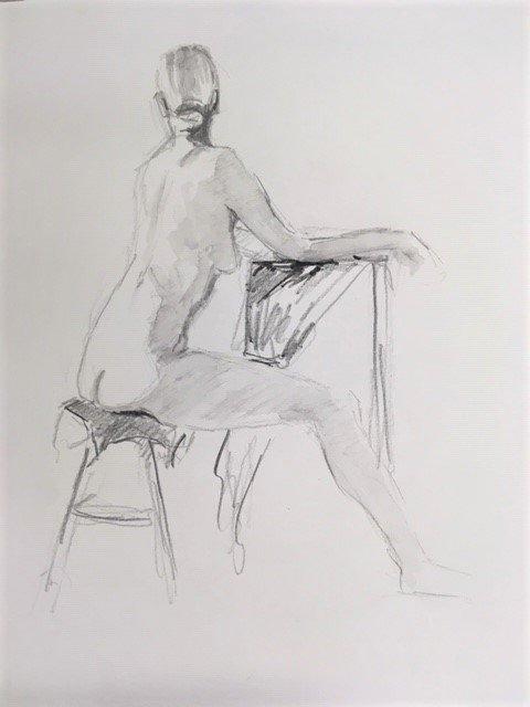 schets zittend vrouwelijk naakt met armen op sokkel